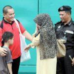Seorang Penyanyi Telah Berjaya Khatam Al-Quran Lebih 100 Kali Di Dalam Penjara