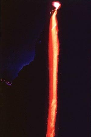 AP/Yosemite National Park Service IMEJ dekat air terjun kelihatan seperti api sedang mengalir di Taman Perkhidmatan Negara Yosemite.