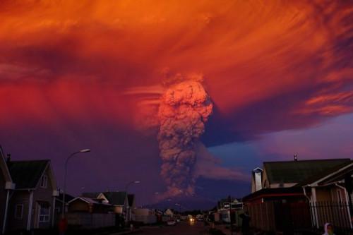 Gunung Berapi Meletus di Selatan Chile