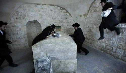 Yahudi Rebut Makam Nabi Yusuf