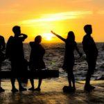 12 Jenis Orang yang Perlu Kita Bersahabat